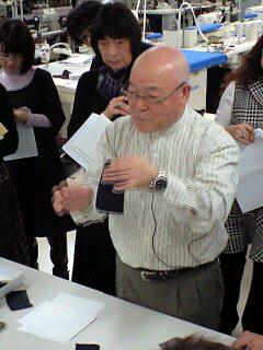 081129_稲井田先生講義.jpg