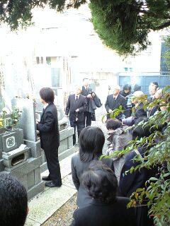 081213_1211~お墓参り.jpg