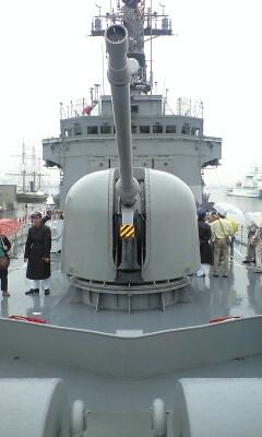 090605_1433~62口径76mm速射砲.jpg