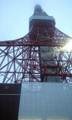 090702_1856~東京タワーの真下.jpg