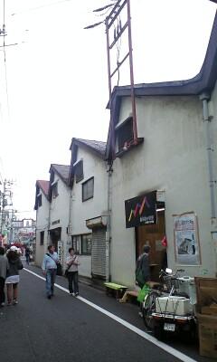 091024_1411~鋸屋根.jpg
