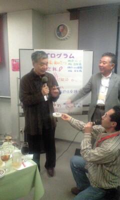 091202_2121~大野先生と僕達.jpg