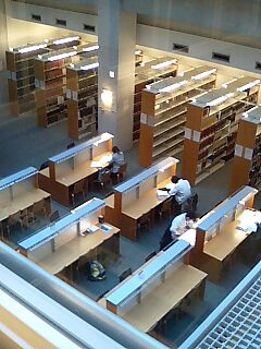 新図書館内部.jpg