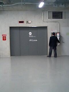 地下駐車場.jpg